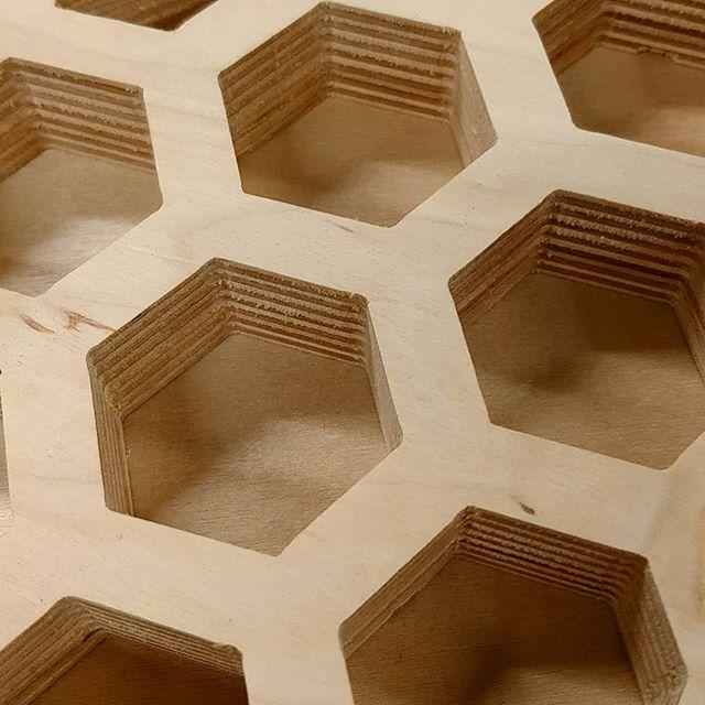 L'Art #plywood #neededashelfsupport #garaaz #diy